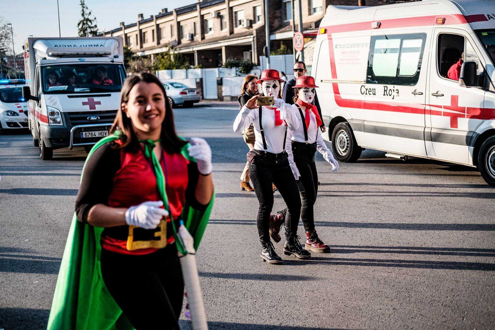 La Gran Rua de Carnaval pels carrers de Cerdanyola. FOTO: Ale Gómez