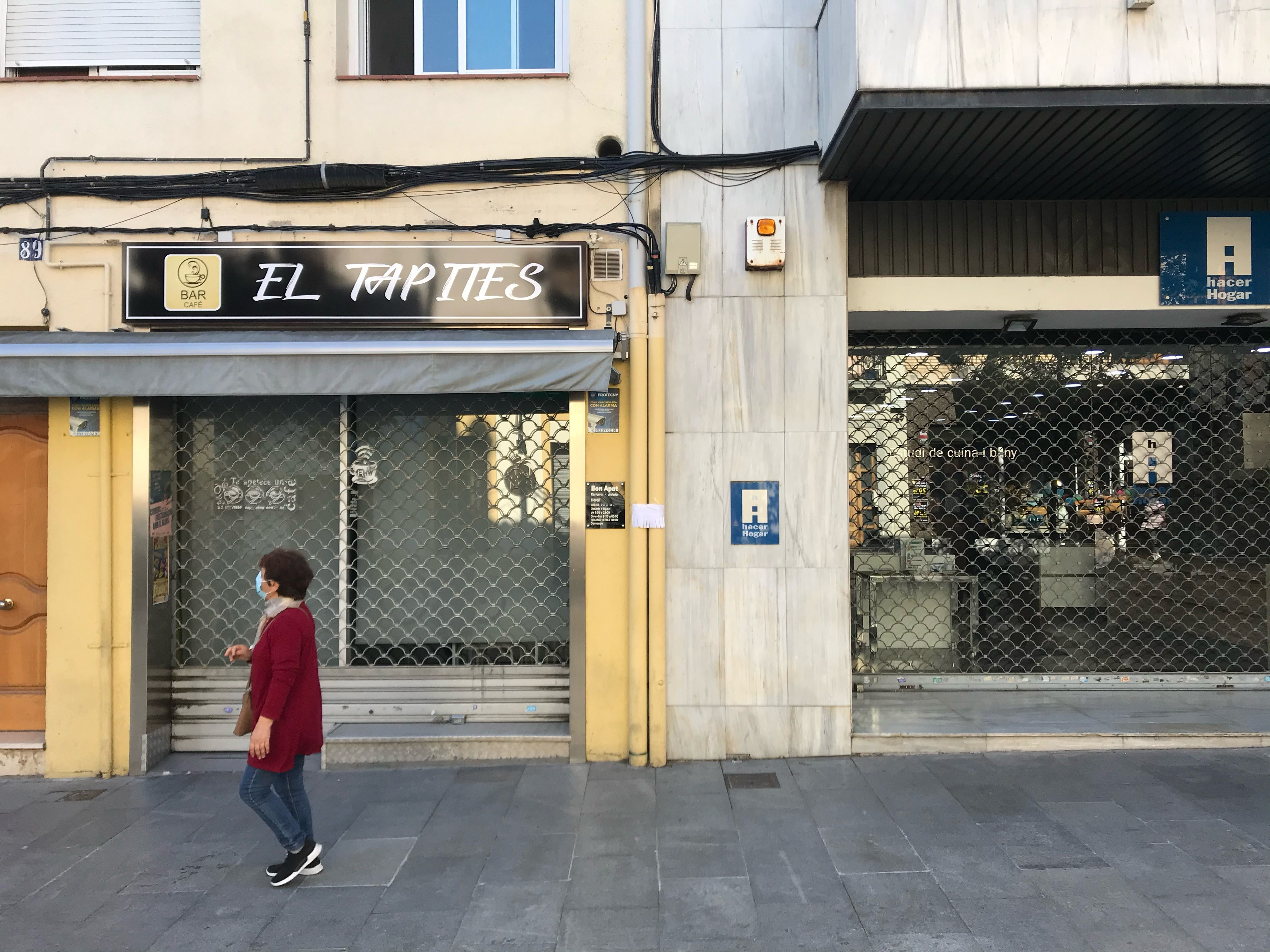 Els ajuts estan destinats a treballadors autònoms, com els propietaris de comerços, afectats per l'impacte de la Covid-19. FOTO: Laura Arias