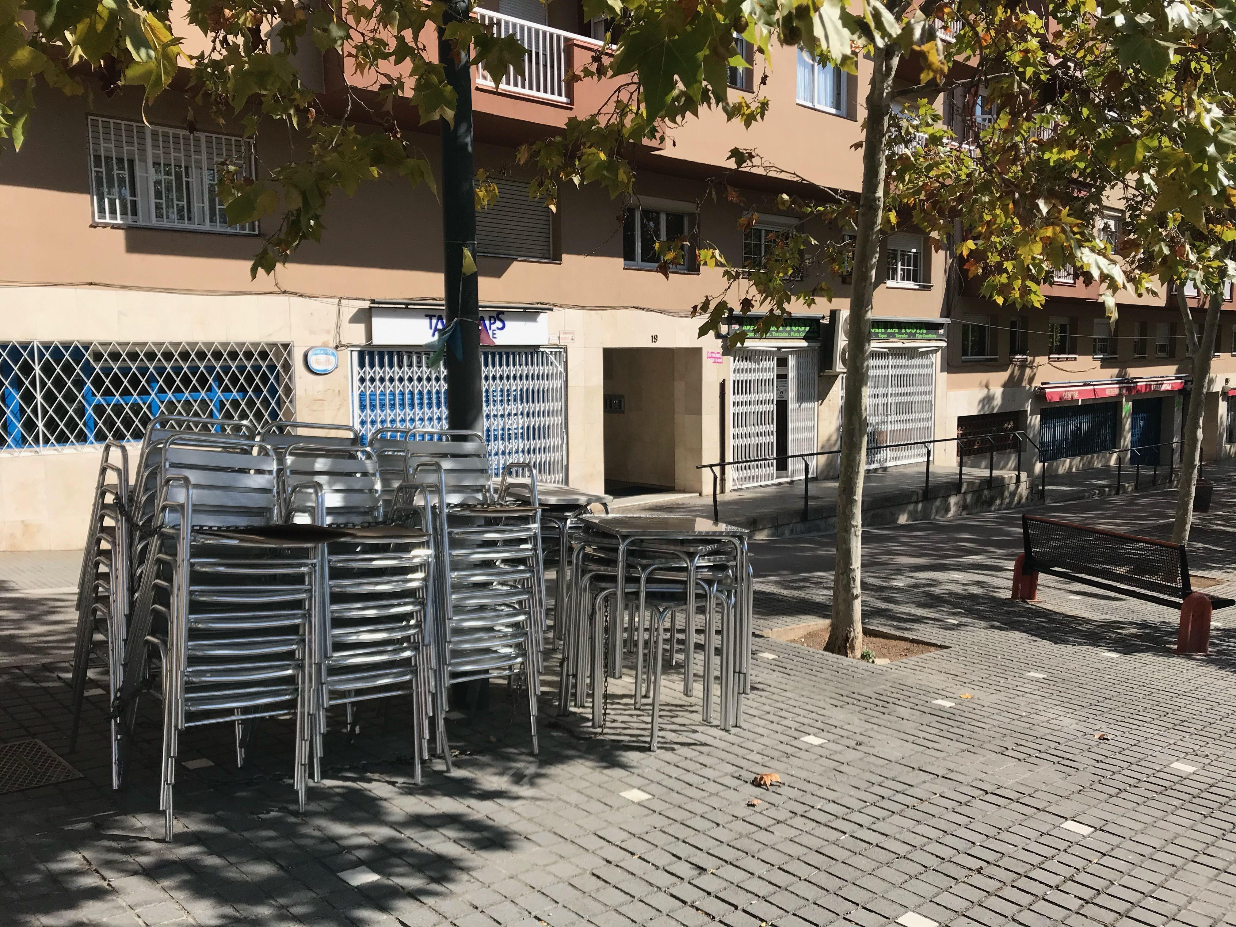 Un bar tancat a Cerdanyola.