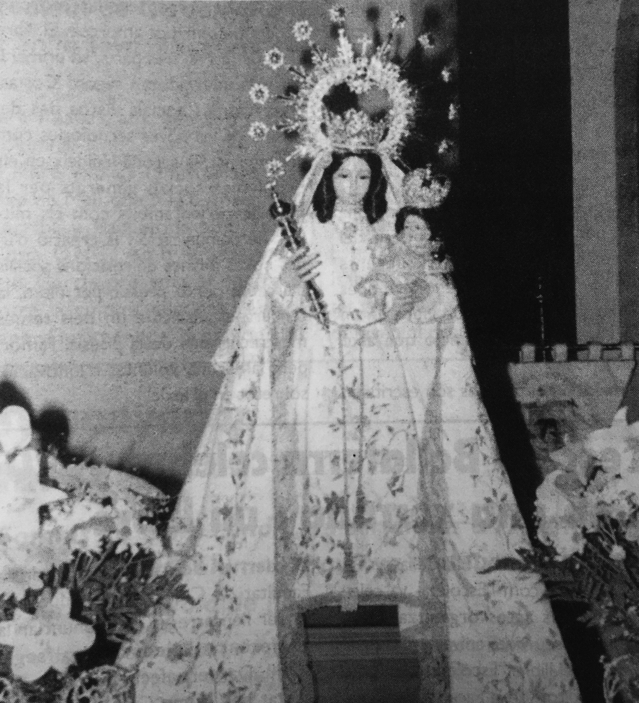 Imatge de la Virgen de la Antigua, Cerdanyola del Vallès. Fotografia publicada al TOT Cerdanyola, 608 (Maig 1999)