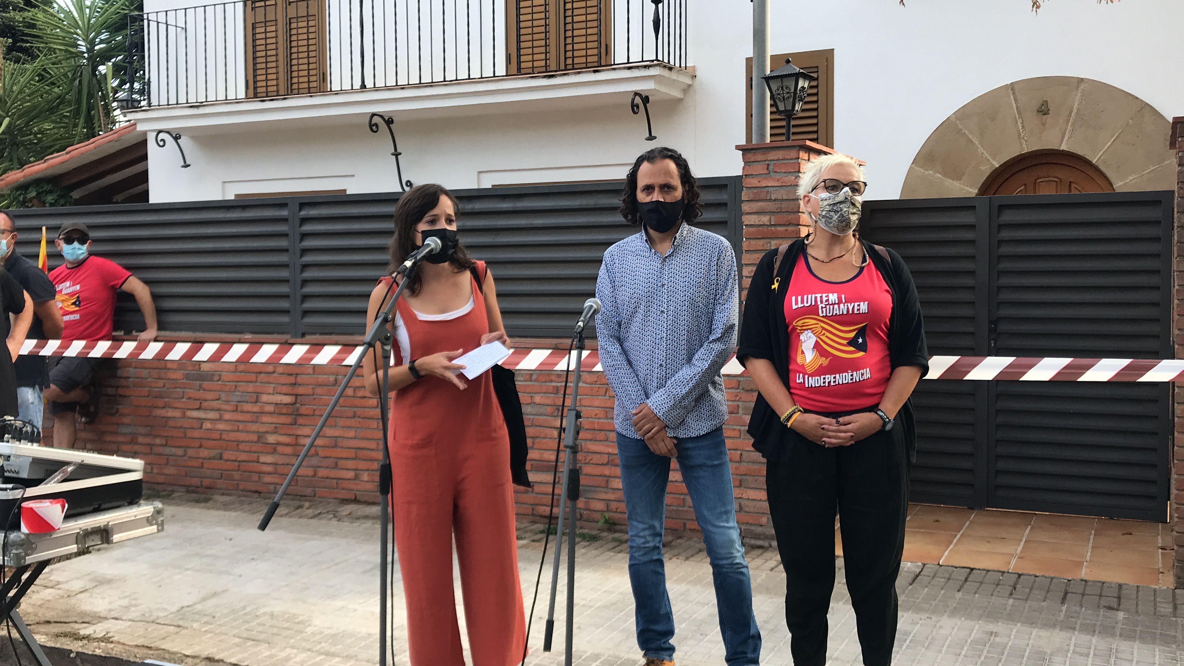 Guanyem explicant per què no va participar de l'ofrena oficial. FOTO: Nora Muñoz