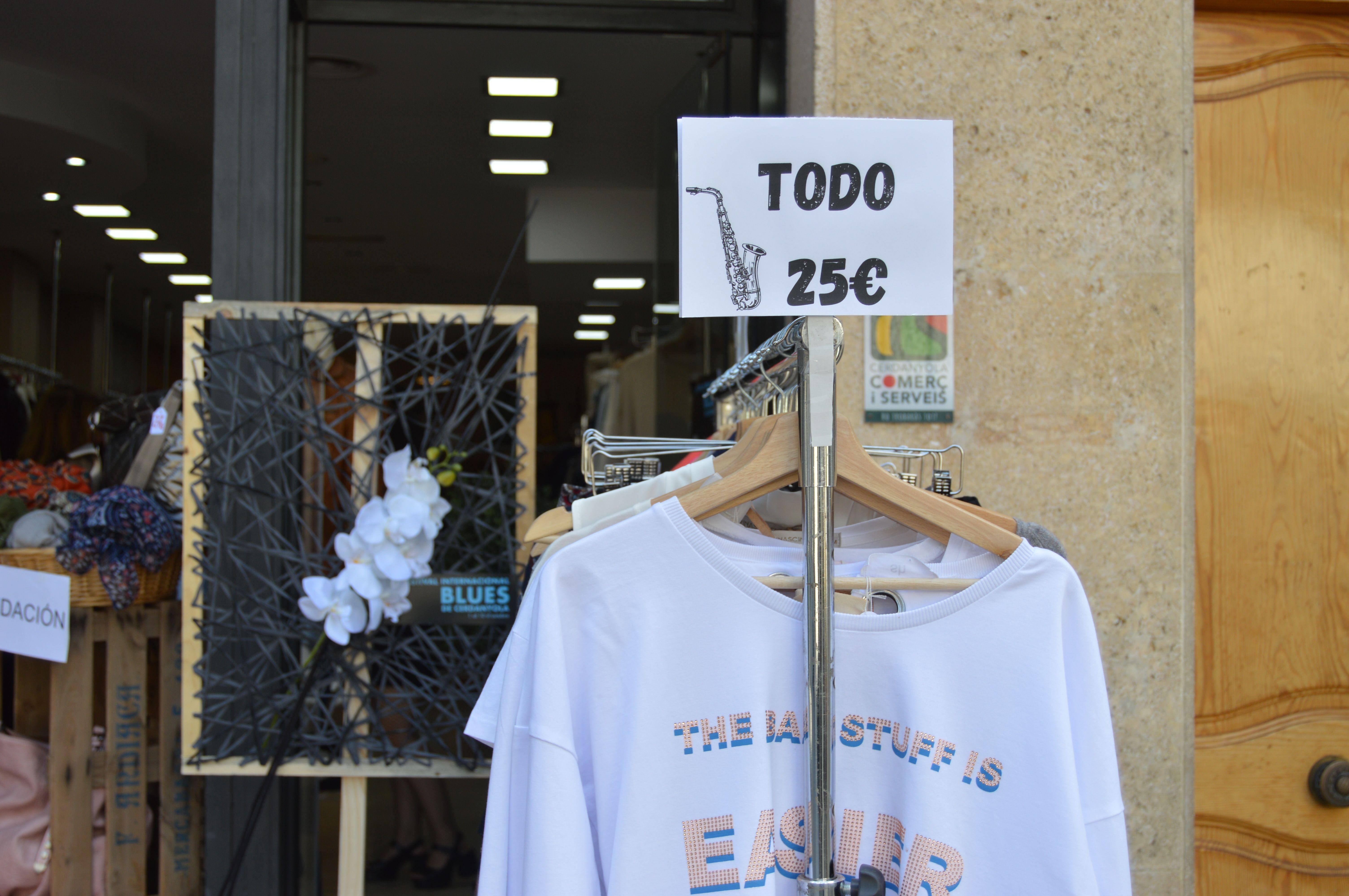 Alguns comerços locals ofereixen promocions en el marc del Festival Internacional de Blues. FOTO: Nora Muñoz