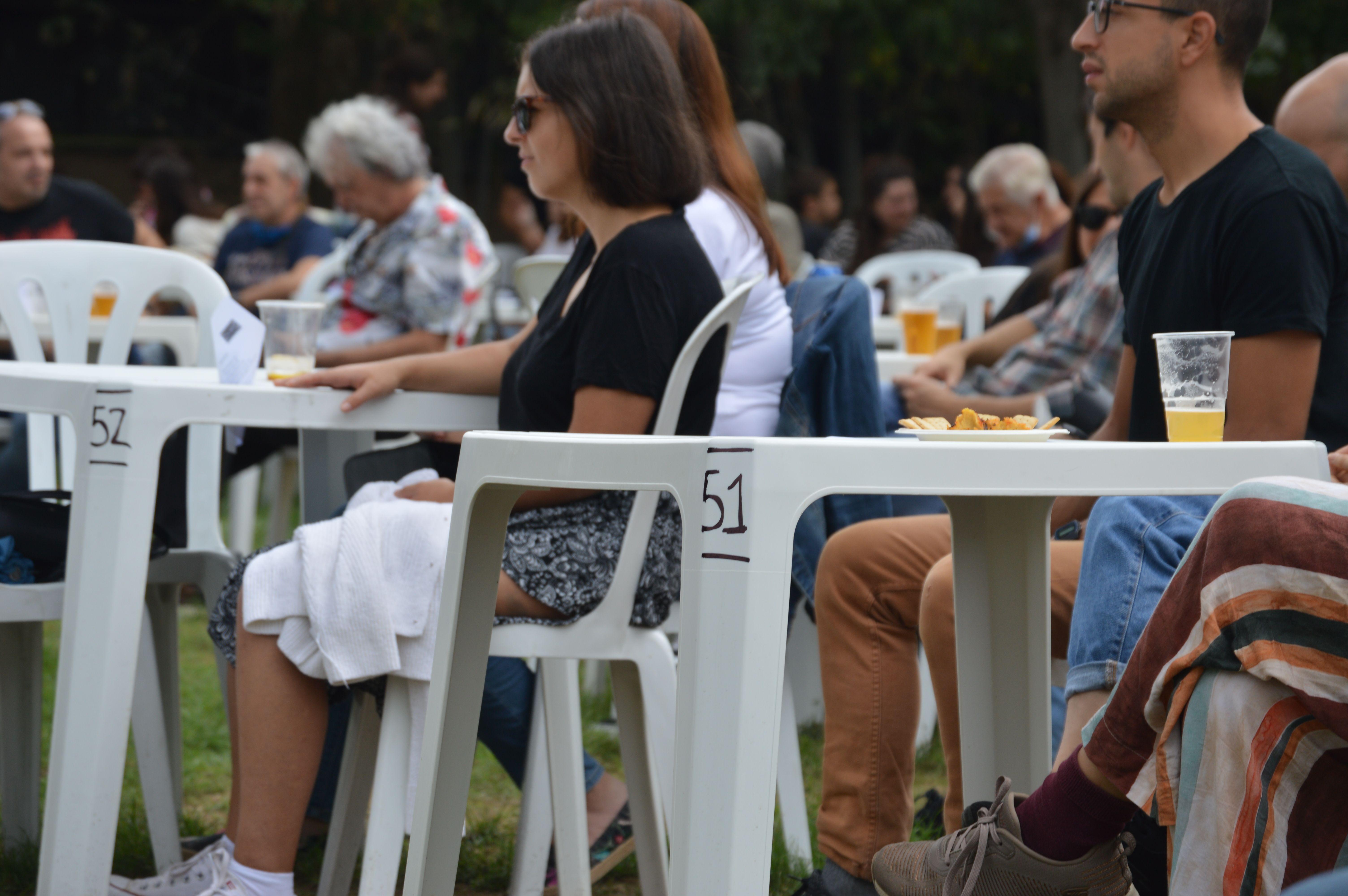 Les taules estaven numerades i els cambrers i cambreres servien les comandes. FOTO: Nora Muñoz