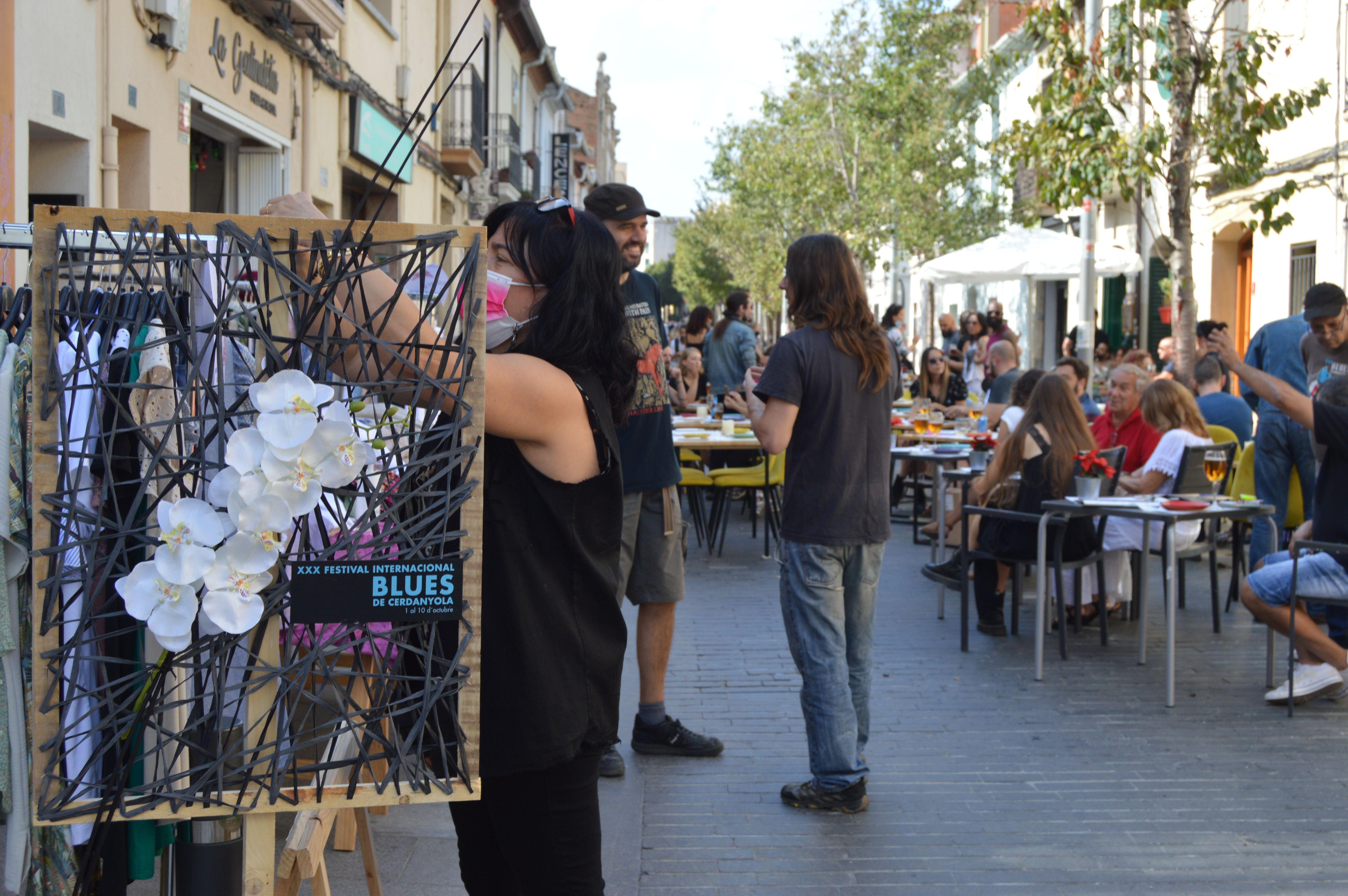 Bars i comerços locals participen al Festival de Blues. FOTO, Nora Muñoz