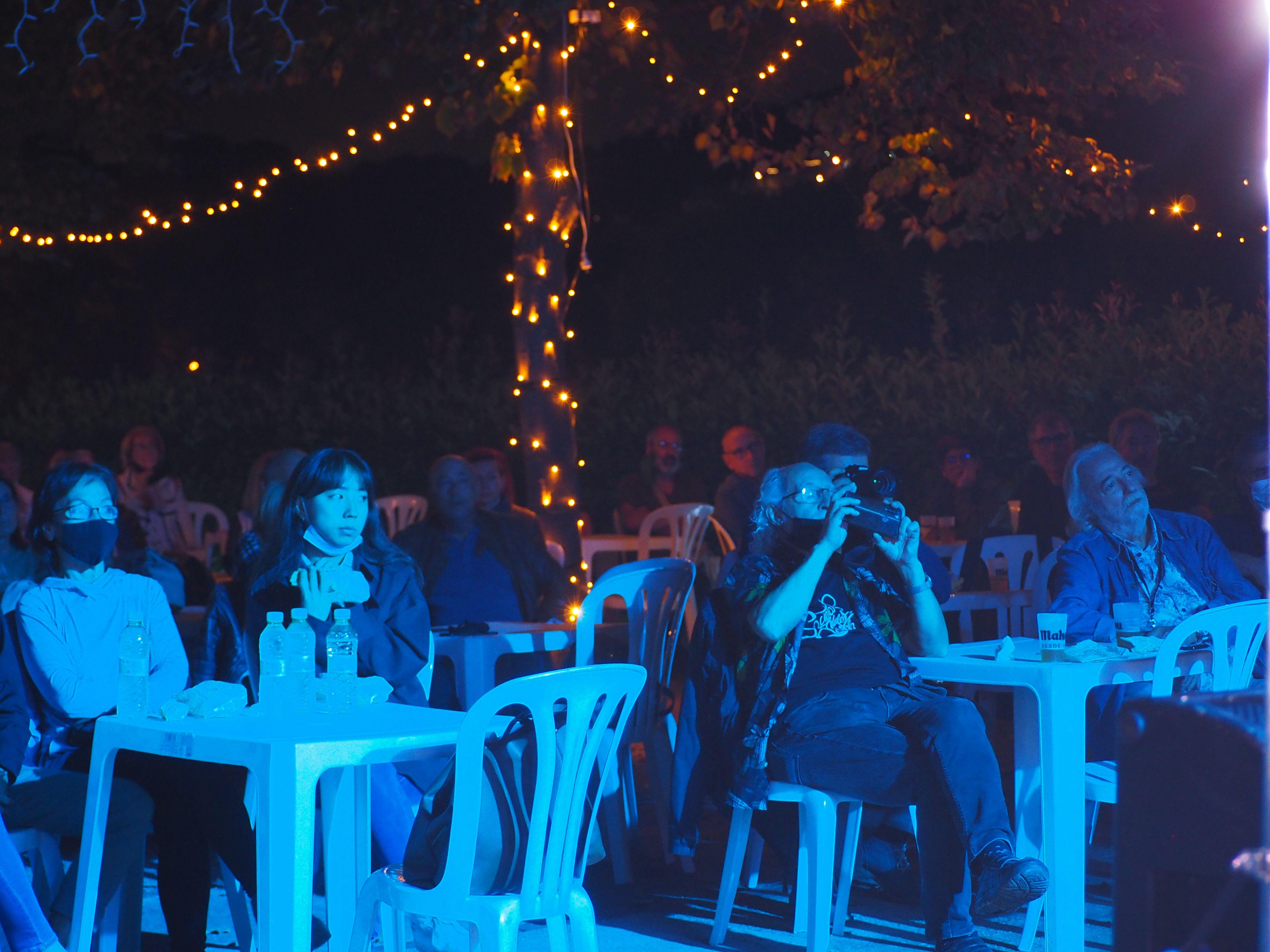 Públic a l'homenatge d'Amadeu Casas divendres a la nit a Can Fatjó. FOTO, Mónica García Moreno